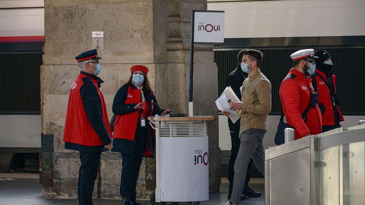 Pour étaler les flux en gare, la SNCF affiche les quais de chaque TGV quarante minutes à l'avance, le double de la norme.