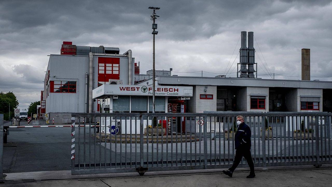 Plus de 250 personnes ont été testées positives au Covid-19 dans les abattoirs de Westfleisch à Coesfeld depuis début avril