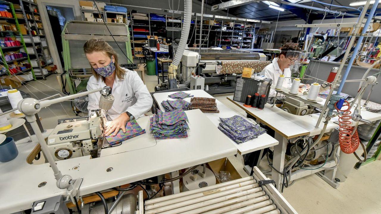 Près de la moitié des entreprises françaises de textile se sont mobilisées pour fabriquer des masques en urgence