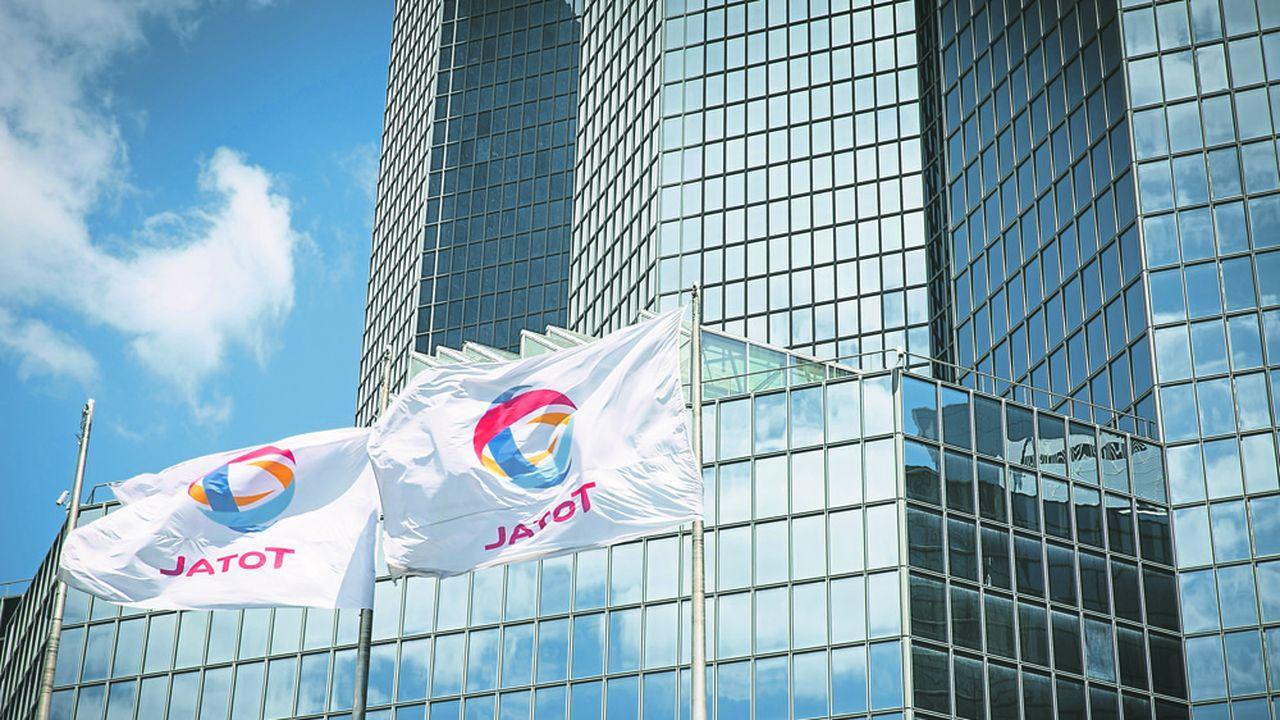Total fait l'objet de la première résolution climatique présentée en assemblée générale par quelques grands investisseurs en France.