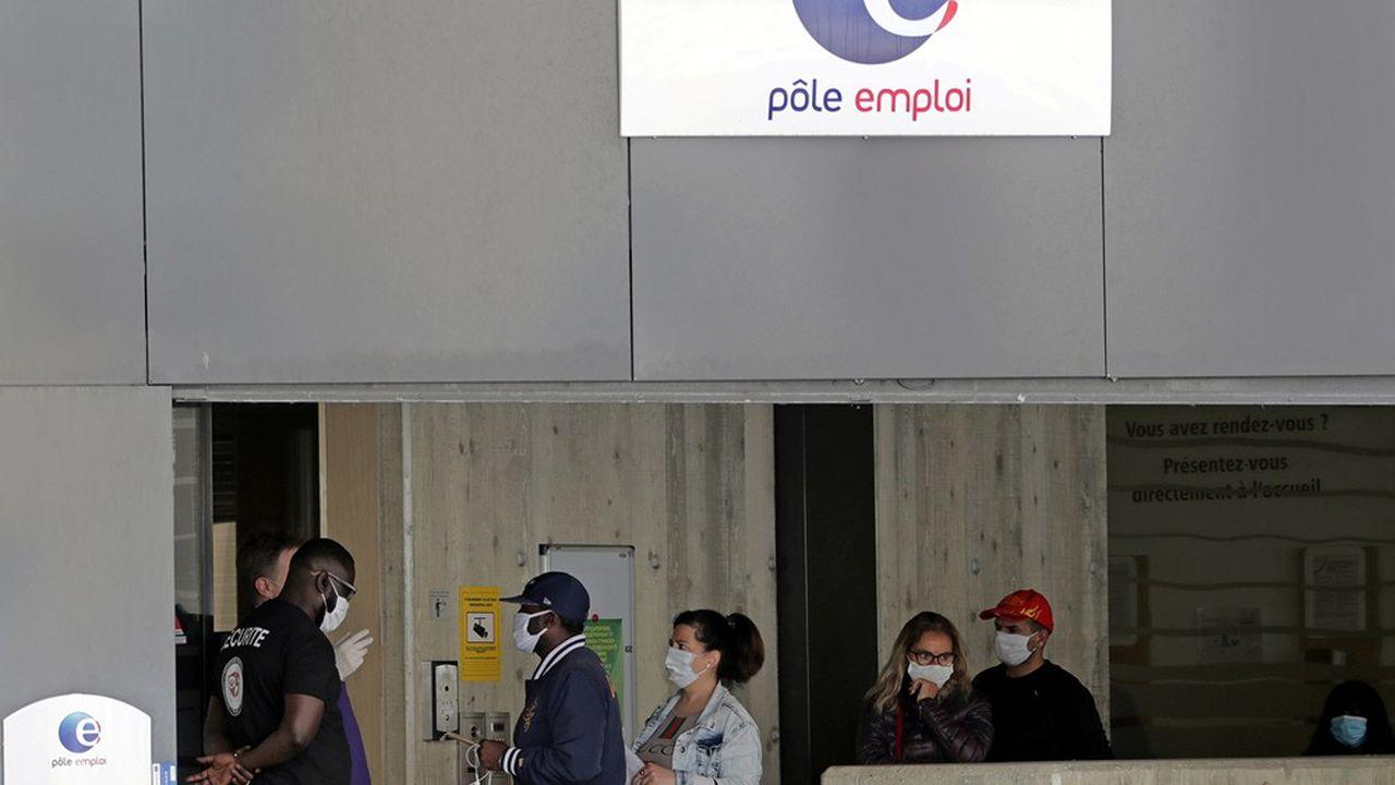 Dans la zone euro, 50 millions de femmes et d'hommes seraient désormais au chômage ou dans son halo, à en croire les prévisionnistes du cabinet Oxford Economics.