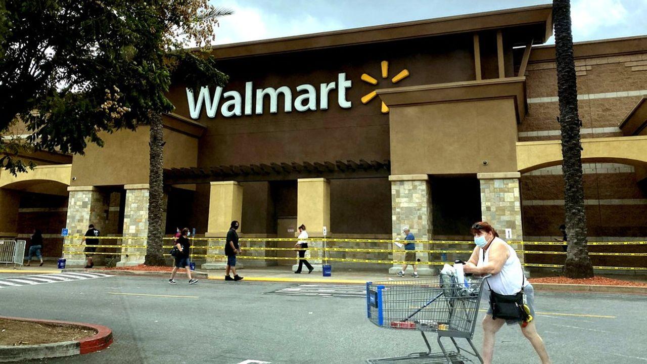 Walmart n'a pas donné de prévisions financières pour ces prochains mois, citant les incertitudes sur la durée de la crise et la réponse budgétaire de Washington.