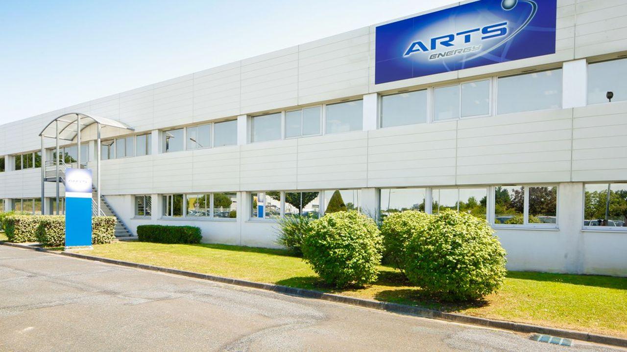 ARTS Energy, société basée à Nersac en Charente, est spécialisée dans les batteries haute performance, une technologie qui équipe les respirateurs artificiels.