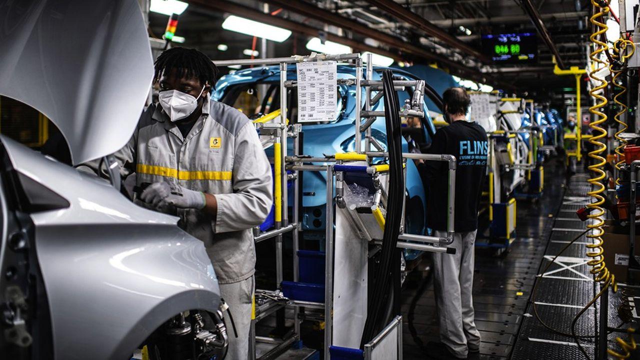 Selon nos informations, l'usine Renault de Flins (Yvelines) pourrait non pas fermer mais cesser de produire des véhicules d'ici quelques années