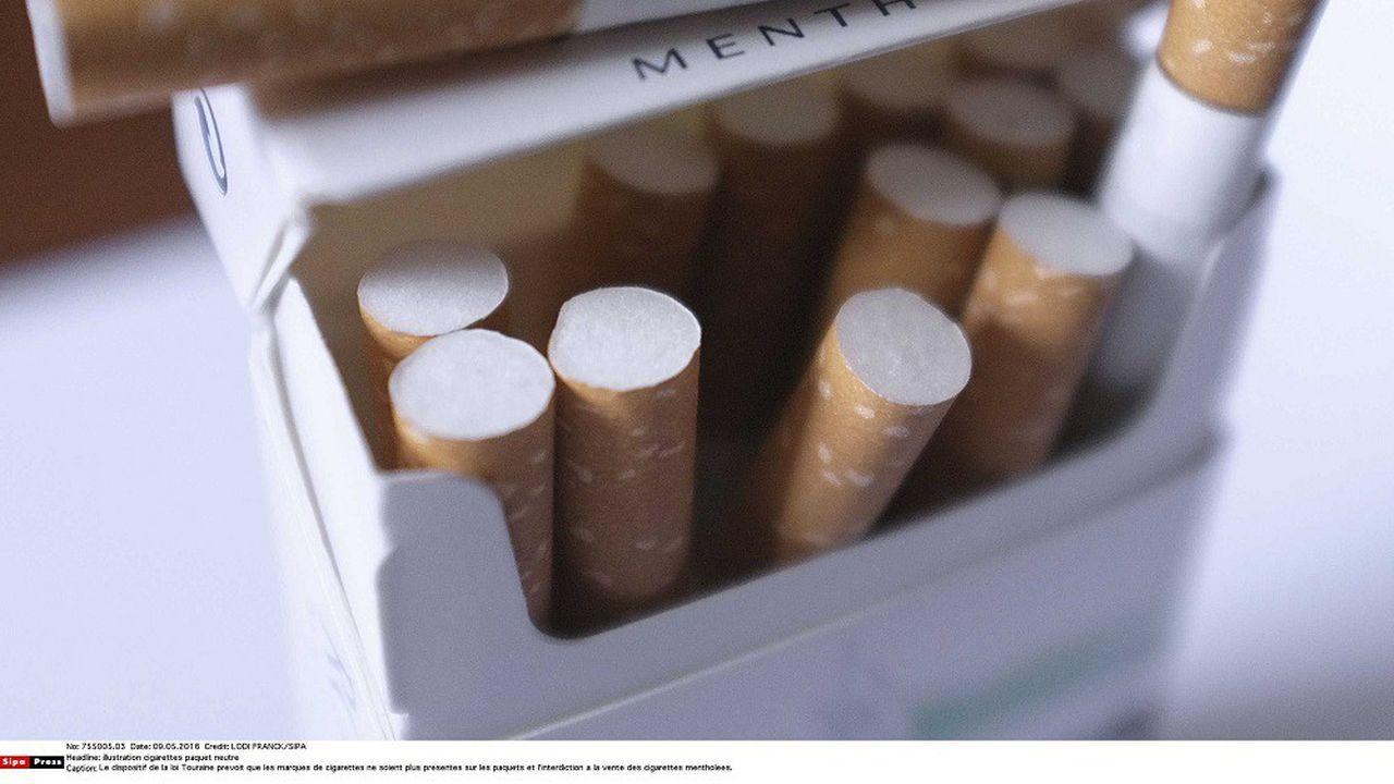 Une directive européenne de 2014 interdit la vente de cigarettes mentholées dans l'UE.