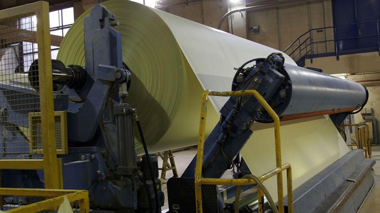 La Chapelle Darblay fabrique du papier journal à partir de recyclé, ses machines à désencrer ont ainsi recyclé 480.000 tonnes de déchets de papier par an jusqu'en 2015 et 350.000 tonnes l'an dernier.