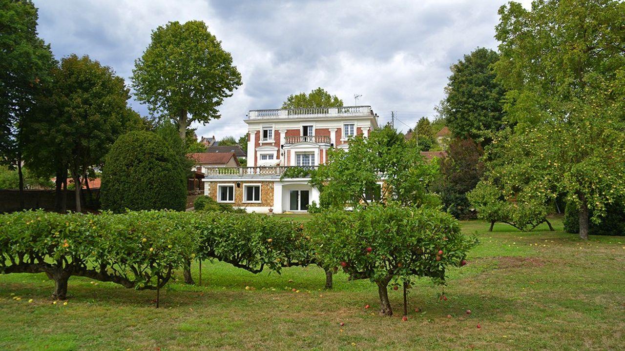 A moins d'une heure de la capitale, cette maison en pleine nature bénéficie d'une très belle vue sur la Seine