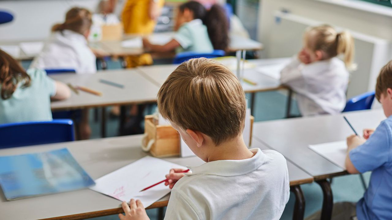Le coût de l'open space transformé en école jusqu'à la fin de l'année scolaire sera de l'ordre de 7.000euros, qui doivent être amortis en un mois.