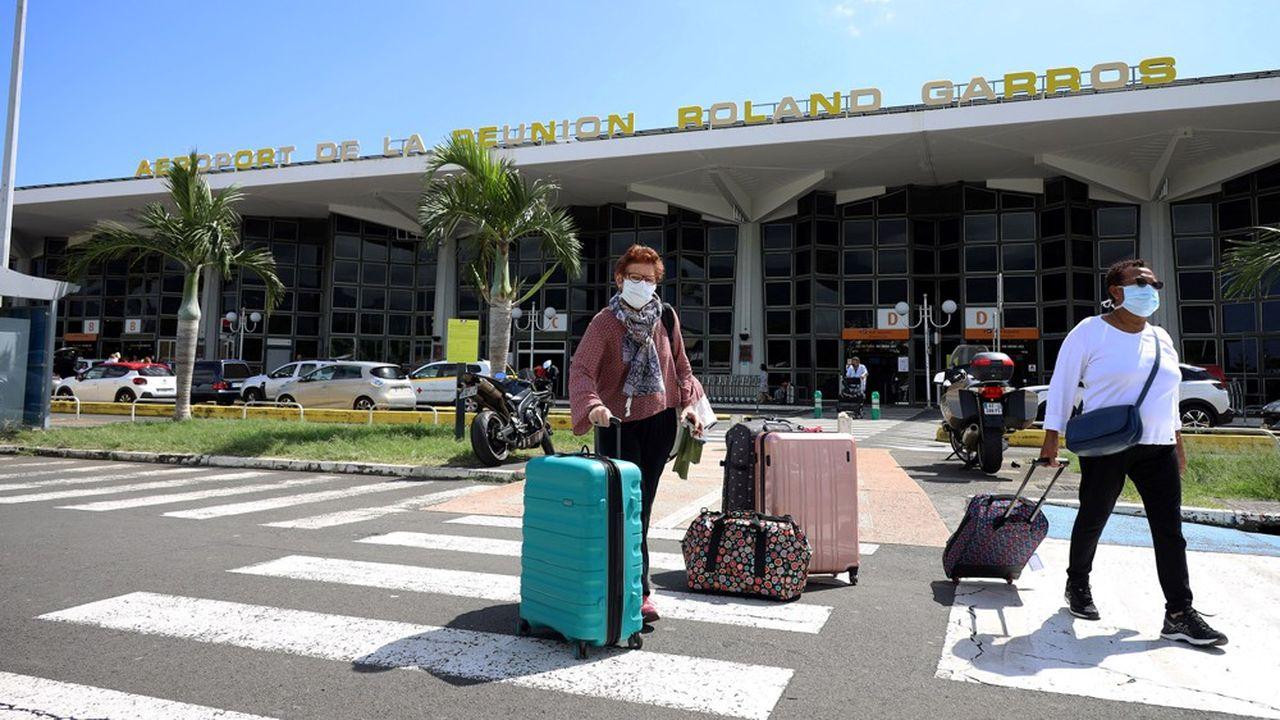 Air France, qui a maintenu un vol par semaine pour La Réunion (ici l'aéroport Roland-Garros), prévoit de remonter à cinq vols par semaine sur La Réunion d'ici au 30juin.