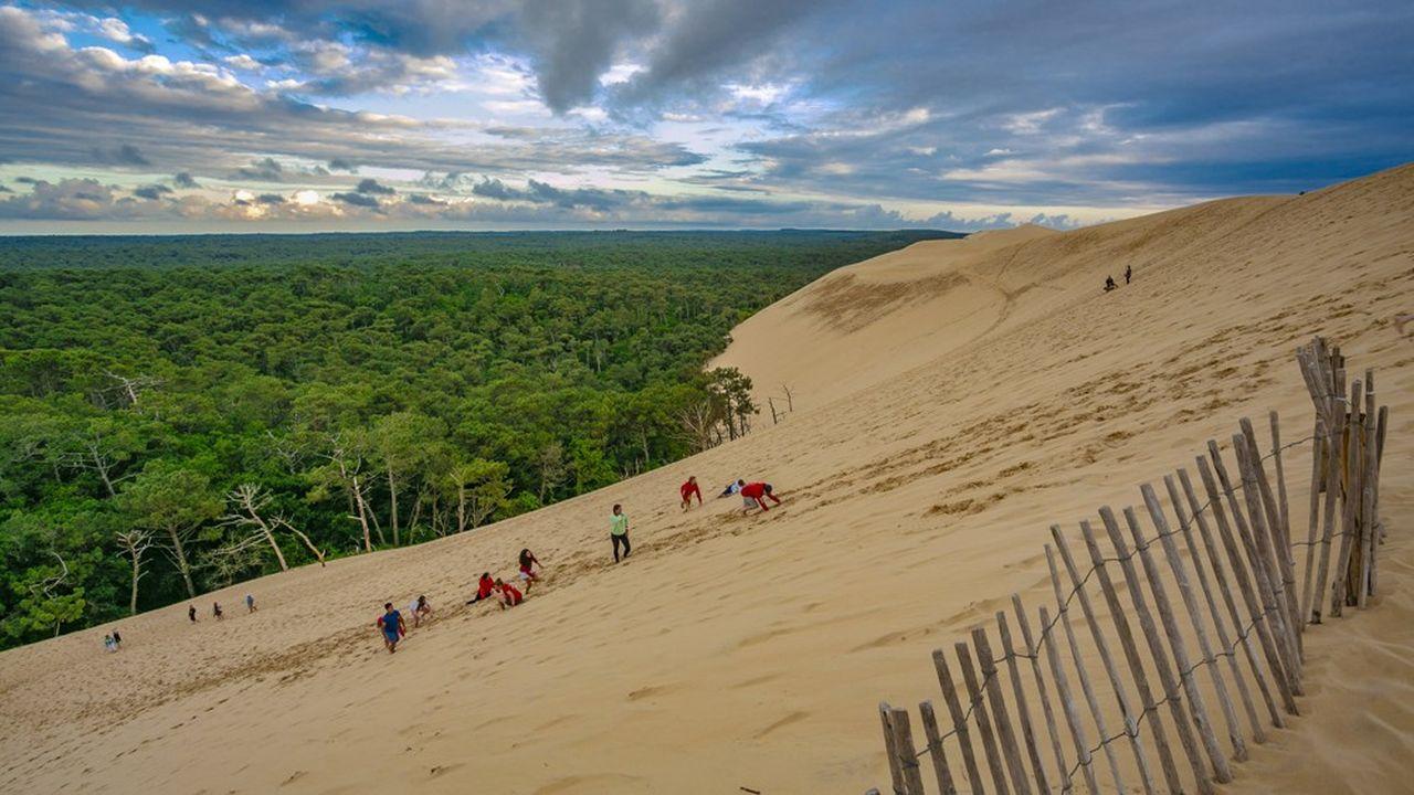 L'accès à la Dune du Pilat, un des sites phare du Bassin d'Arcachon, verra son accès réglementé pendant les mois d'été.