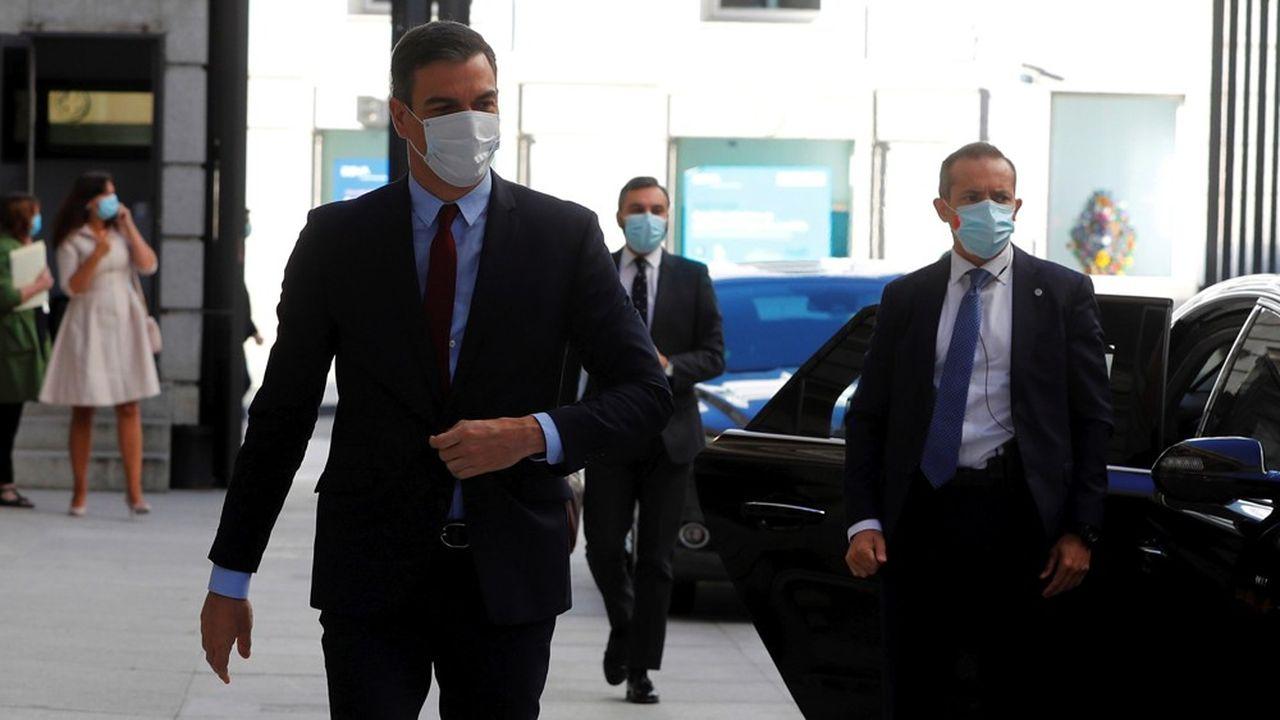 Pedro Sánchez a négocié en secret avec l'extrême gauche basque pour garantir une majorité suffisante pour prolonger l'état d'alerte de quinze jours. Ballesteros/Pool via REUTERS