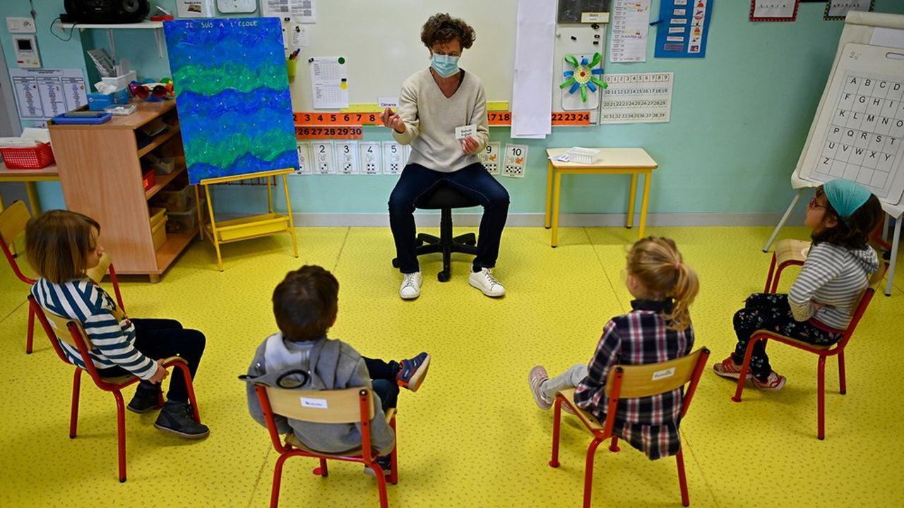 Jean-Michel Blanquer mise sur des activités «sport, santé, civisme et culture» («2S2C») avec les collectivités pour accueillir les enfants qui ne pourront pas l'être dans les classes.