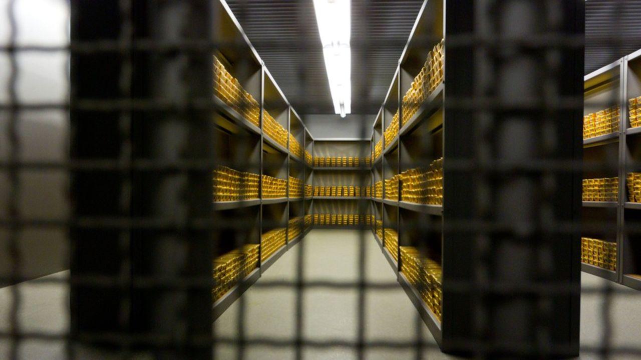 Le fonds indiciel coté GLD de State Street, qui investit dans l'or physique, détient plus de 1.100 tonnes d'or, précieusement conservées dans une chambre-forte londonienne.