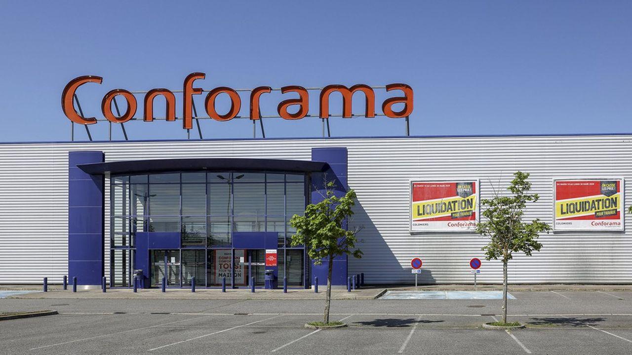 Les banques sont mises en cause pour leur refus d'accorder un prêt garanti à Conforama.