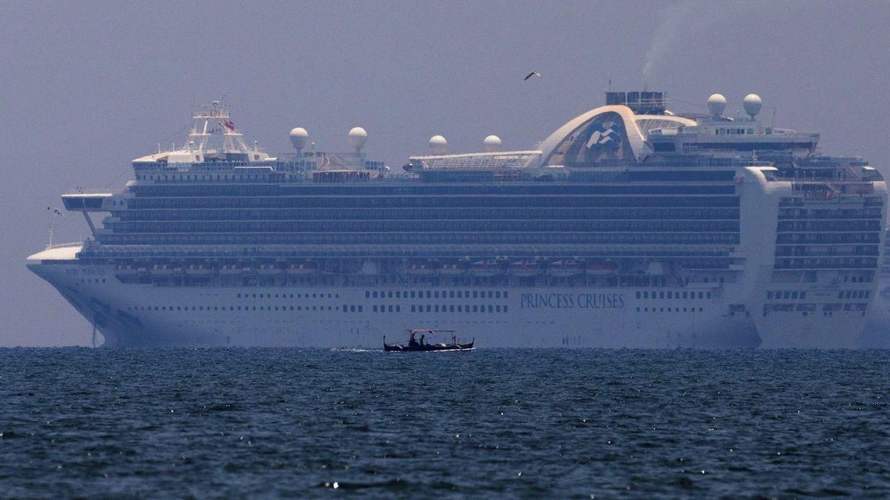 Des dizaines de paquebots voient les portes des ports se fermer.