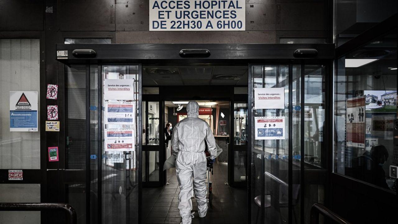 Depuis le début de l'épidémie, le coronavirus a provoqué au moins 29.603 décès en France, dont 19.146 à l'hôpital.