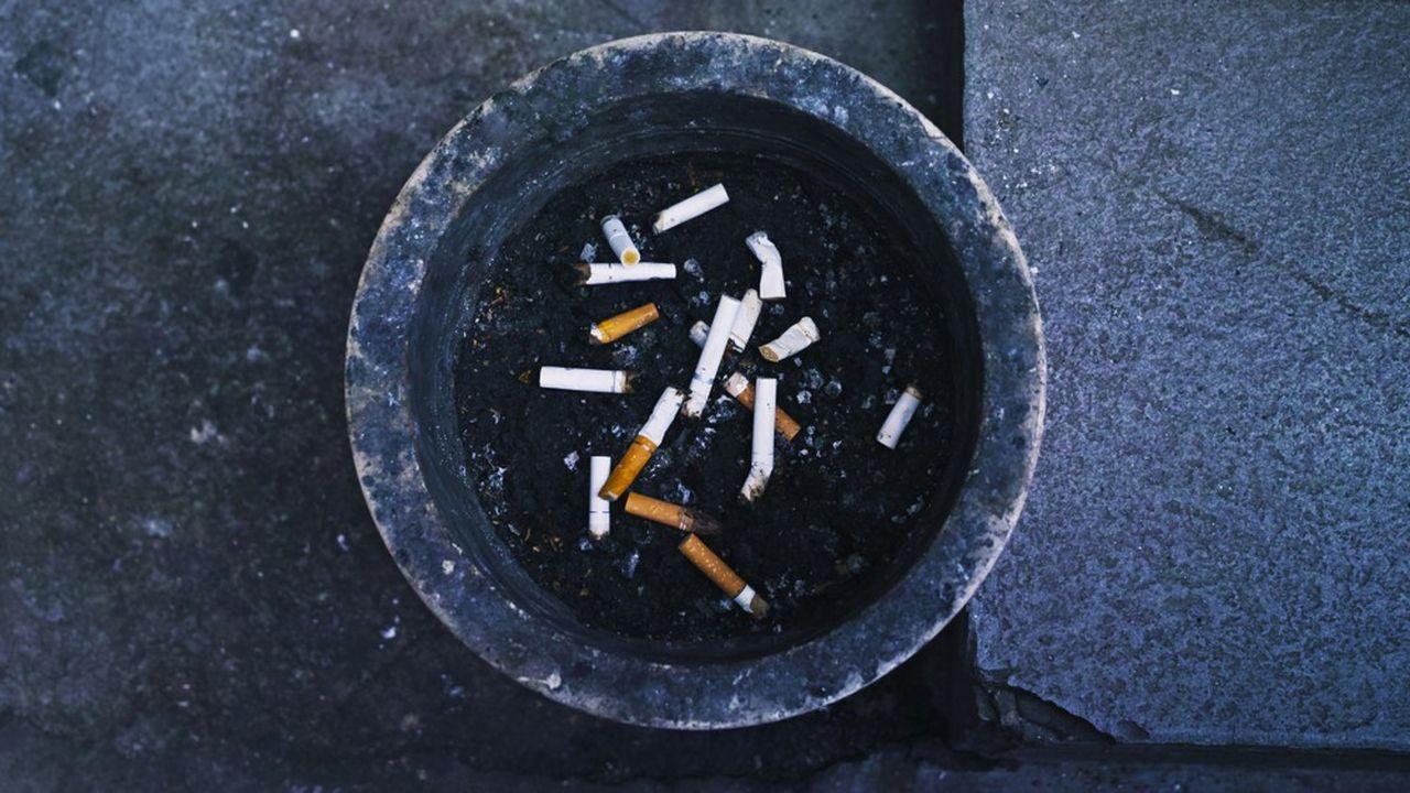 La consommation quotidienne de tabac baisse à nouveau en 2019, sauf chez les jeunes hommes, les étudiants et les chômeurs.