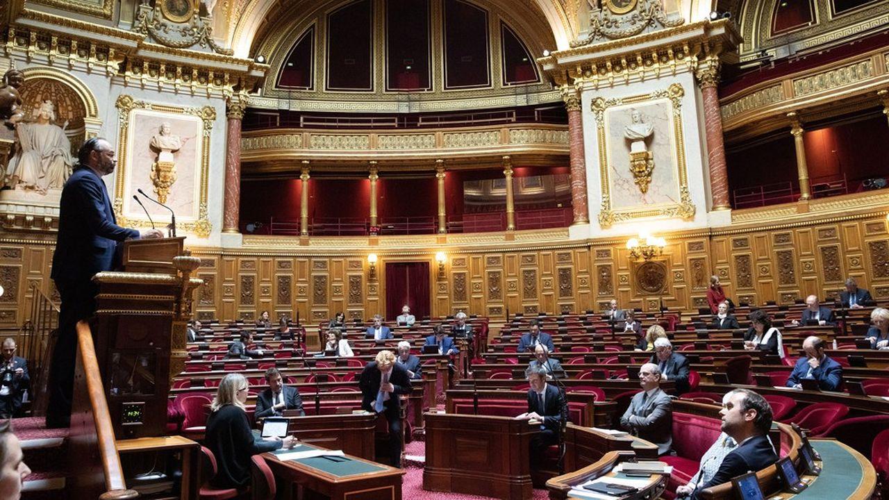 Le texte présenté par les sénateurs socialistes propose de plafonner à la fois «les sommes perçues par les banques pour les incidents de paiement» mais aussi «pour la gestion des comptes bancaires».