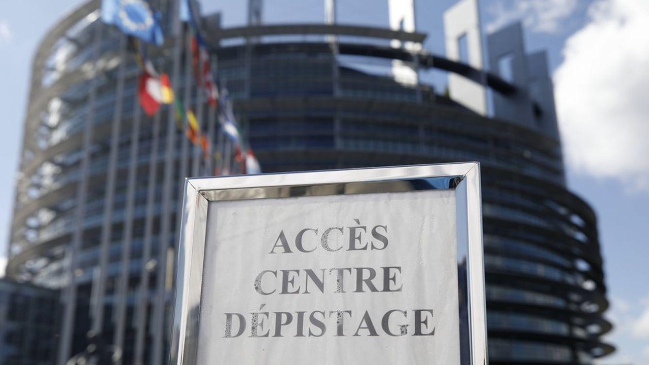 Les personnes ayant participé au rassemblement pourront se rendre à partir de jeudi au centre de dépistage installé au Parlement européen pour bénéficier anonymement d'un test virologique.