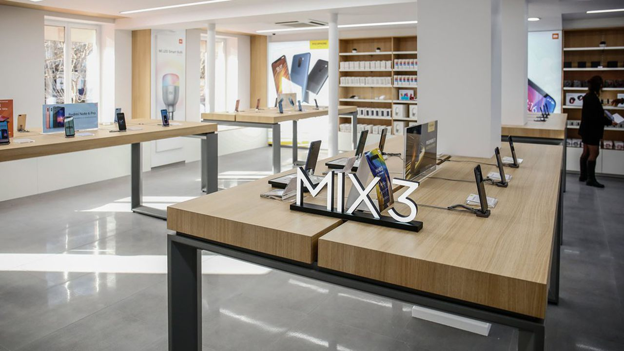 La boutique Xiaomi sur les Champs-Elysées.