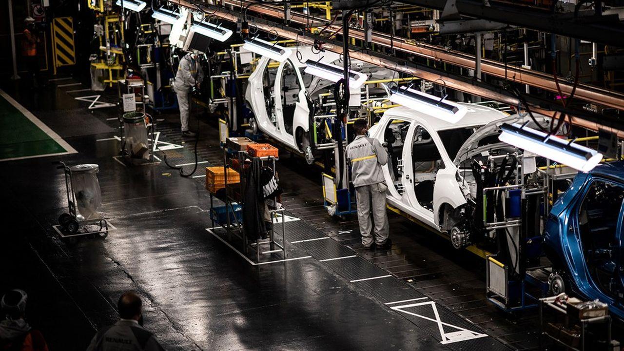 La production automobile pourrait être abandonnée à terme dans l'usine de Flins (Yvelines), à laquelle seraient transférées d'autres activités.