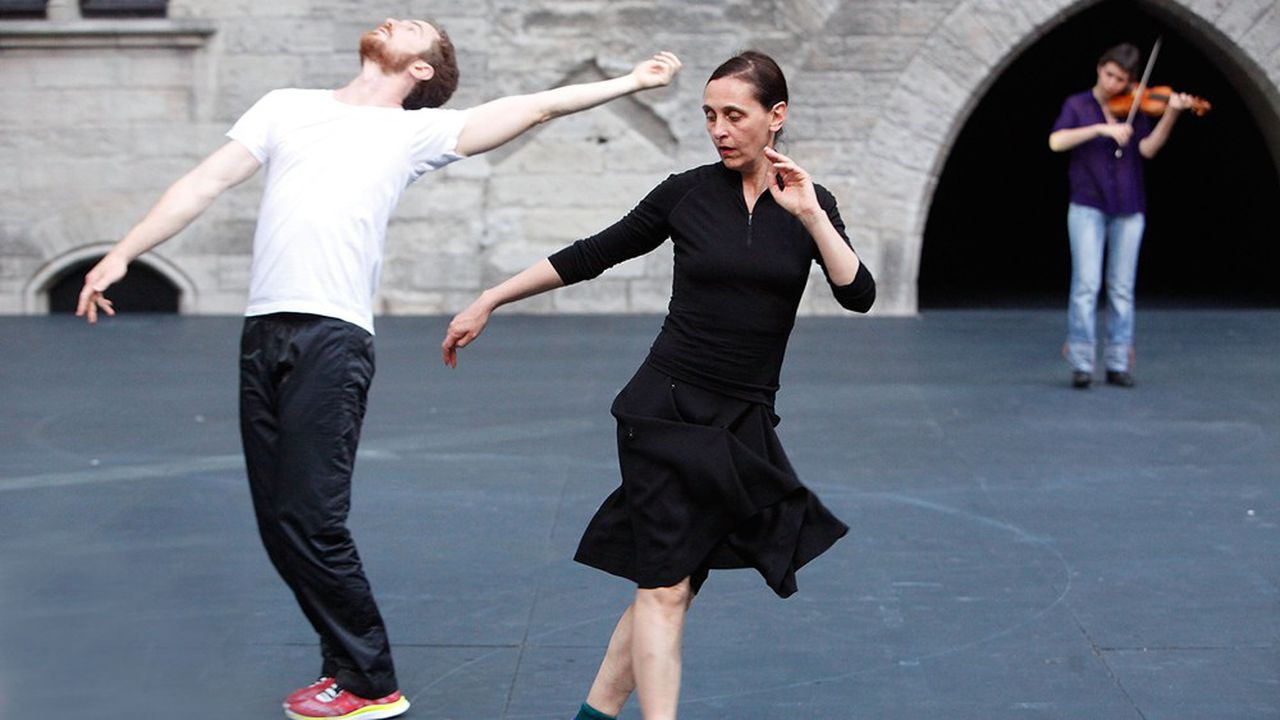La chorégraphe et danseuse belge Anne Teresa De Keersmaeker et le danseur français Boris Charmatz au Palais des Papes à Avignon.