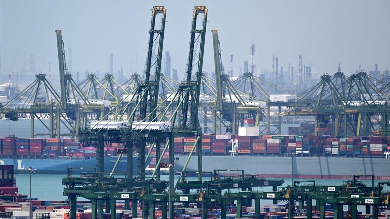 Le port de Singapour est l'un des plus actifs au monde.