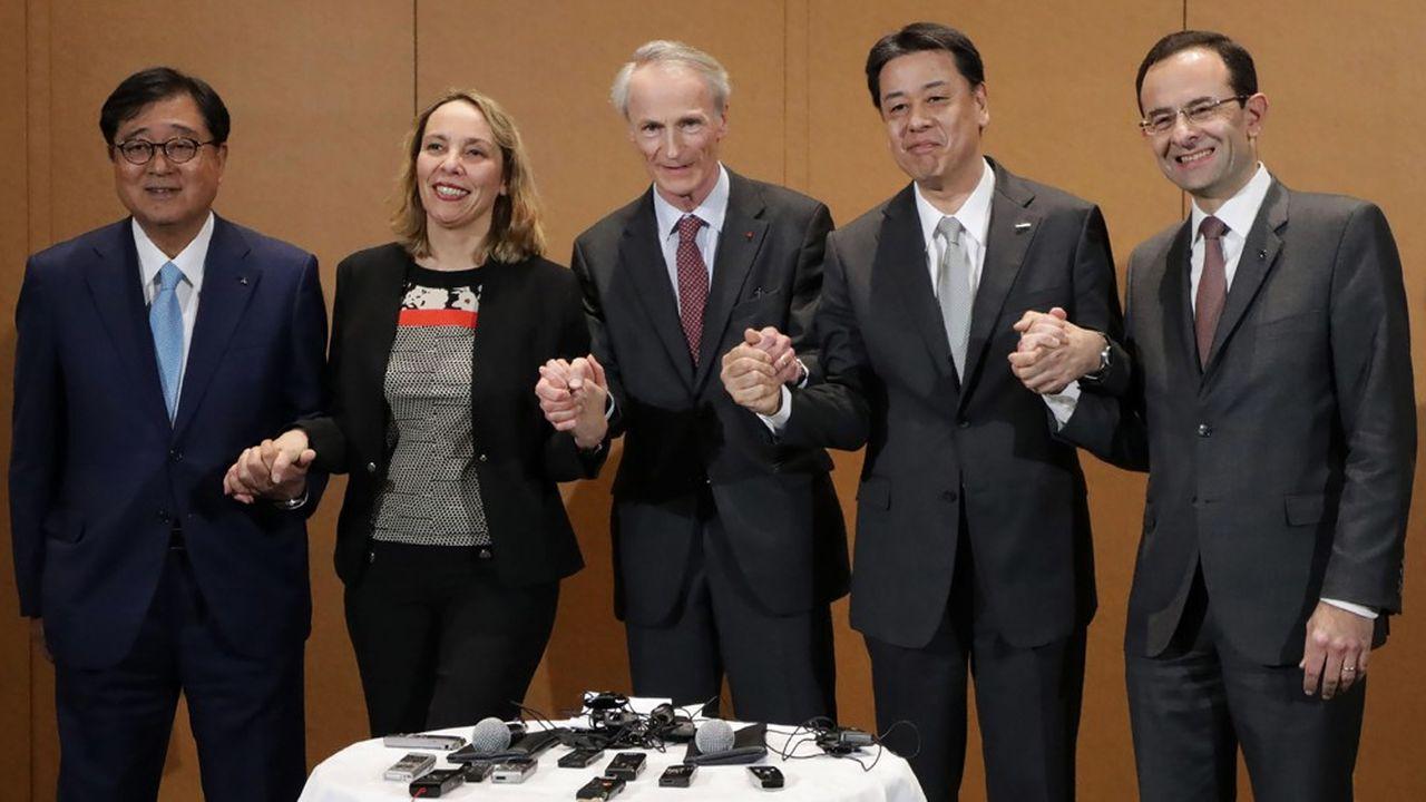 Les membres du conseil de l'Alliance: de gauche à droite, Osamu Masuko (Mitsubishi), Clotilde Delbos (Renault), Jean-Dominique Senard (Renault), Makoto Uchida (Nissan), et Hadi Zablit, secrétaire général de l'Alliance.