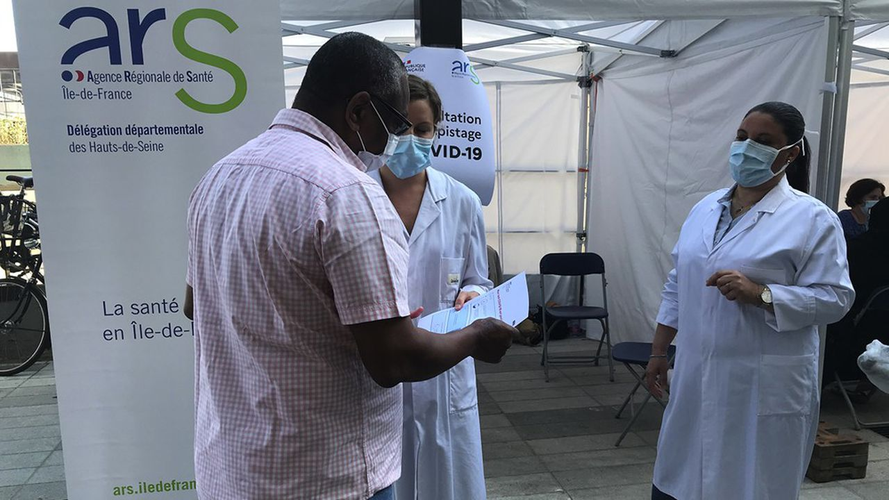 A Gennevilliers, mercredi, l'Agence régionale de santé d'Ile-de-France a organisé une opération de dépistage de rue.