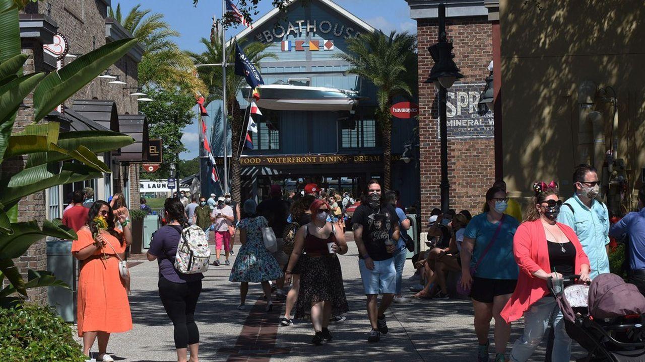 Avant de faire redémarrer ses parcs d'attractions en Floride, Disney a rouvert ses boutiques.