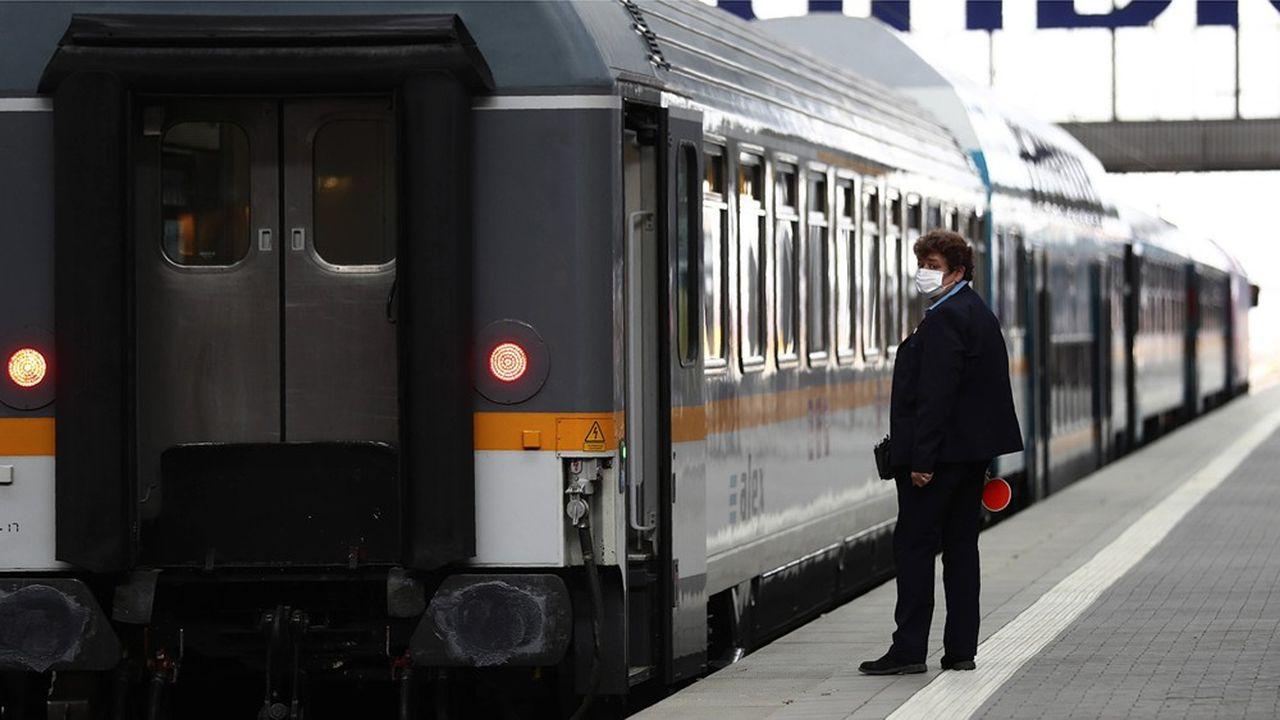 La Deutsche Bahn s'engagerait à poursuivre les embauches prévues par le plan pour le climat, malgré ses pertes