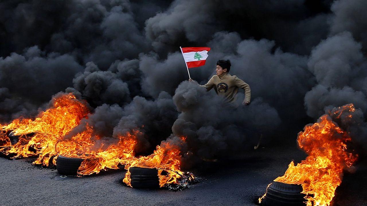 Manifestation contre le gouvernement libanais à Jal el-Dib, au nord de Beyrouth, le 14janvier 2020.