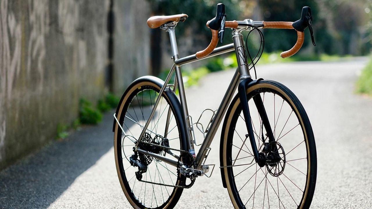 Le vélo réalisé pour Théo par l'auvergnat Victoire.