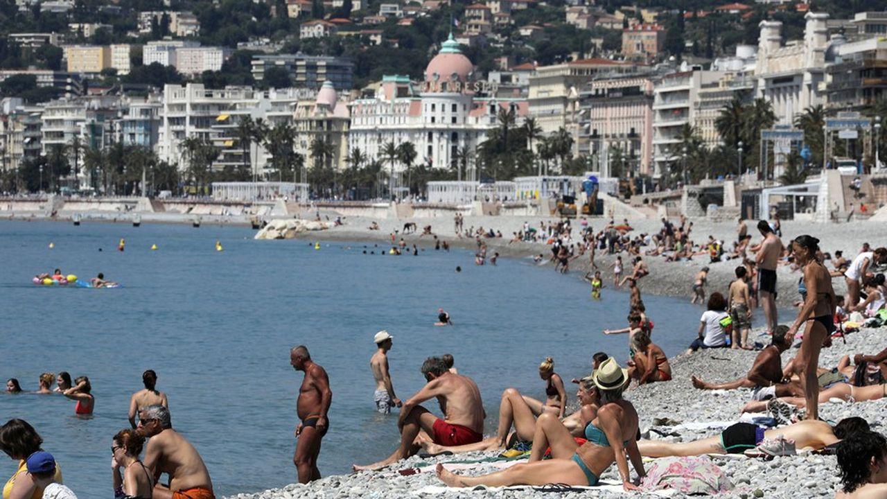 A compter du 2juin les plages, les lacs, les plans d'eau, ou encore les parcs de loisirs avec «une jauge maximale de 5.000 personnes» seront de nouveaux accessibles.