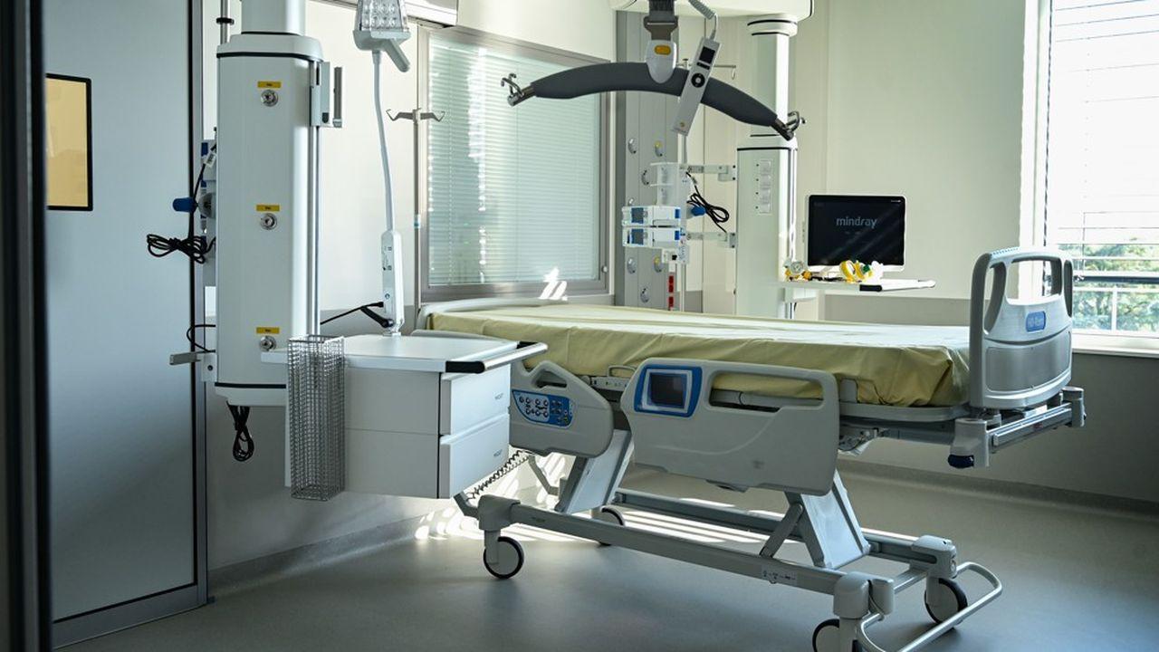 Selon la Direction générale de la santé, les hôpitaux français accueillent ce dimanche14.322 malades contaminés (-58 par rapport à samedi), dont 1.319 (-42) en services de réanimation.