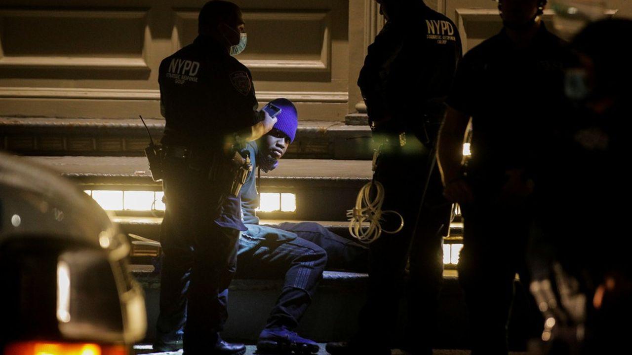 Quatre Américains sur cinq souhaiteraient un dépistage des officiers «problématiques».