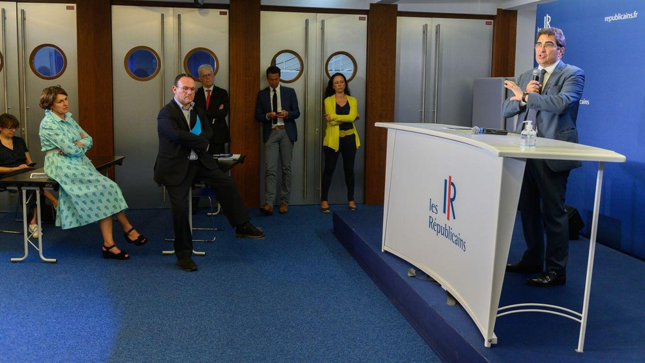 Christian Jacob au siège de LR, ce mardi. Avec notamment, de gauche à droite, Annie Genevard, Damien Abad et Guillaume Peltier.