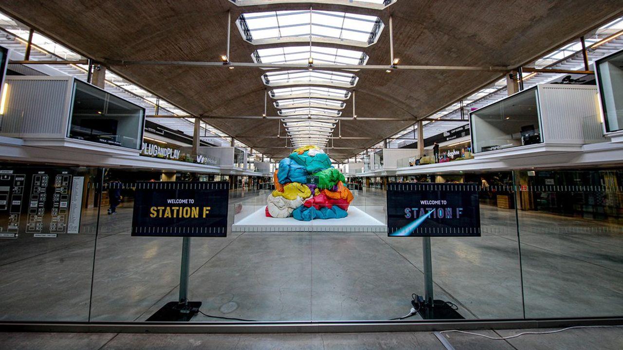 StationF, situé à Paris, est le plus grand incubateur de start-up d'Europe.