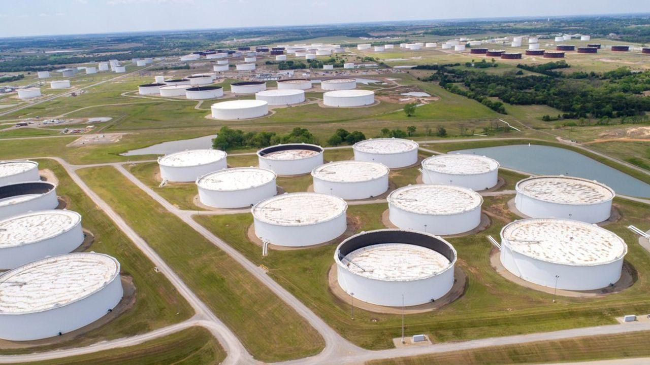 Le niveau des stocks de pétrole (ici le site de Cushing dans l'Oklahoma) avait commencé à baisser début mai, mais ils stagnent à nouveau, souligne Kayrros.
