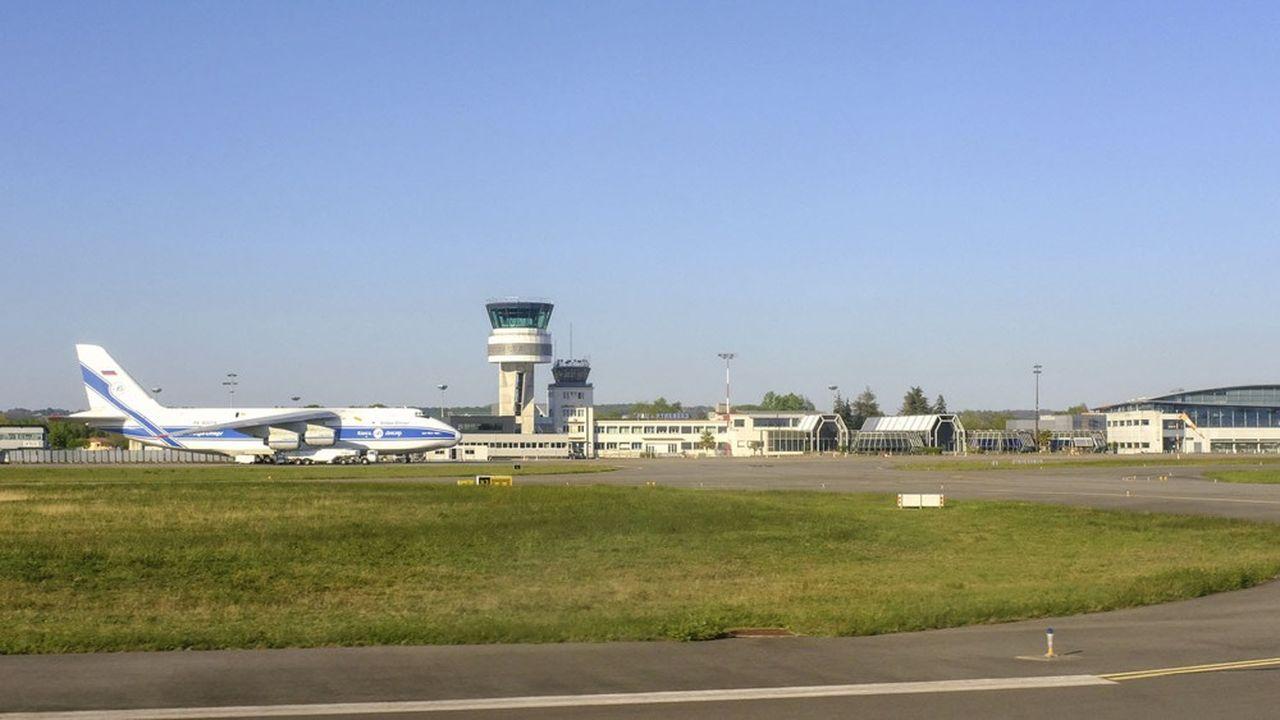 Comme la plupart des aéroports français, l'aéroport de Pau-Pyrenees s'est retrouvé sans vol commercial durant la période de confinement.