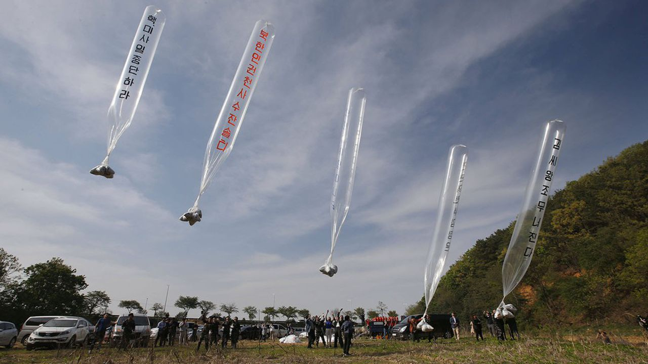 Le 31mai, une organisation de réfugiés nord-coréen a lancé pas moins de 20 ballons, gonflés à l'hélium et porteurs de tracts critiquant Kim Jong-un