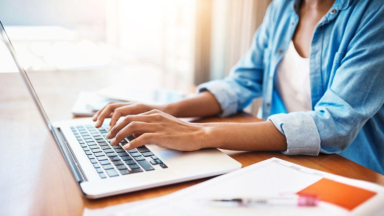En 2019, 3% des salariés pratiquaient le télétravail à raison d'au moins un jour par semaine, dont 11% des cadres; mais le confinement a brusquement changé la donne.