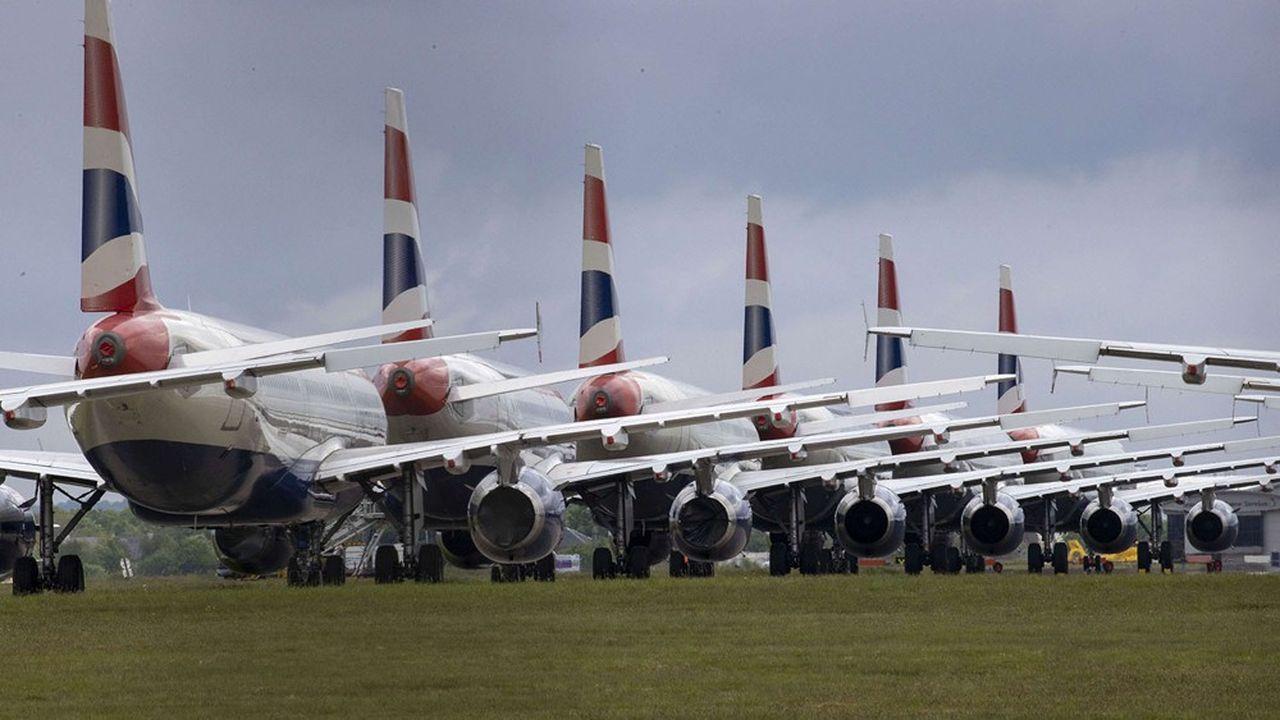 Dans de nombreux cas, British Airways voudrait inclure dans les contrats de travail des clauses de chômage temporaire, qui permettraient de suspendre le travail jusqu'à 6 semaines par an sans payer les salariés.