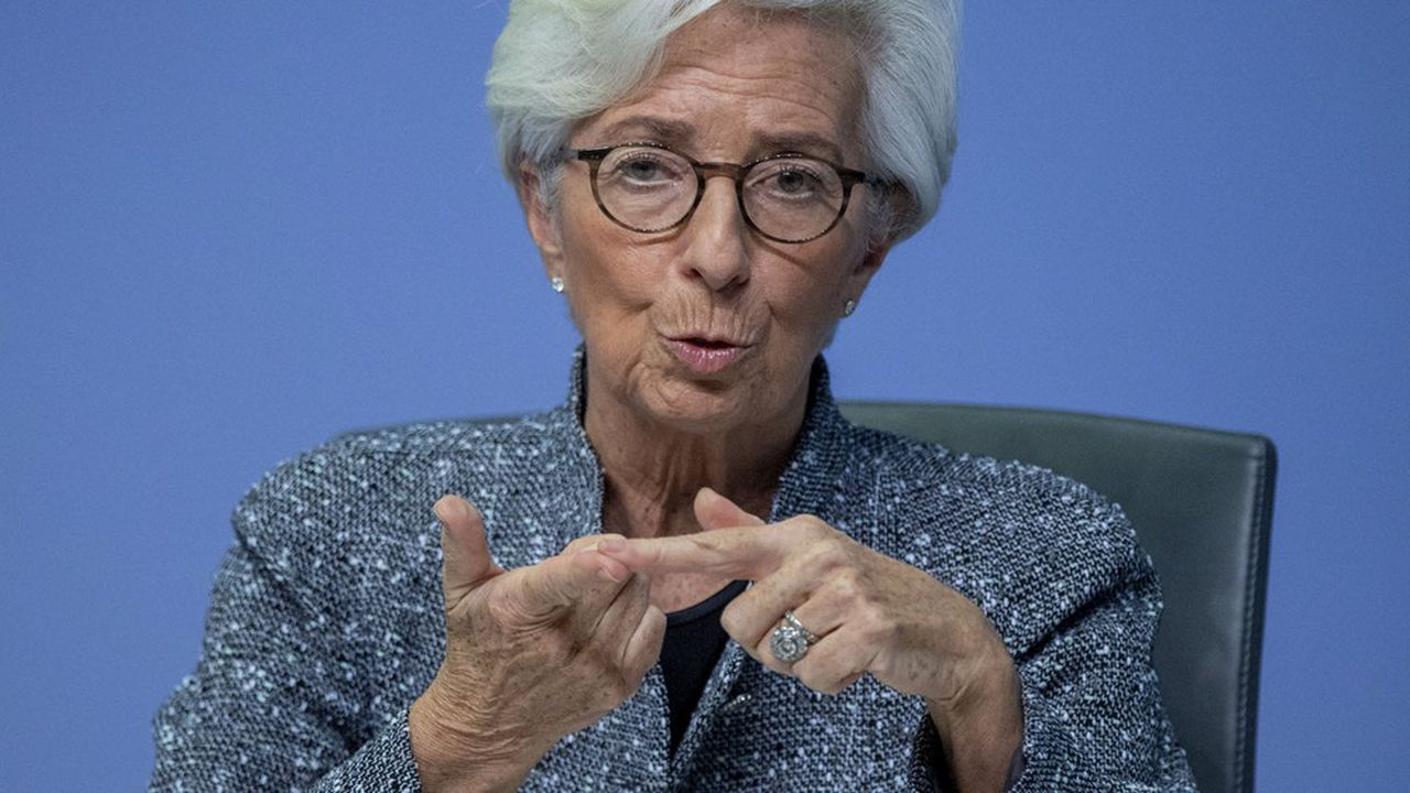 Christine Lagarde n'a eu de cesse de se référer au mandat de la BCE pour justifier l'élargissement du PEPP. Qu'il s'agisse de la stabilité des prix, de la croissance ou de la stabilité financière, «cette décision devait être prise», a-t-elle martelé.