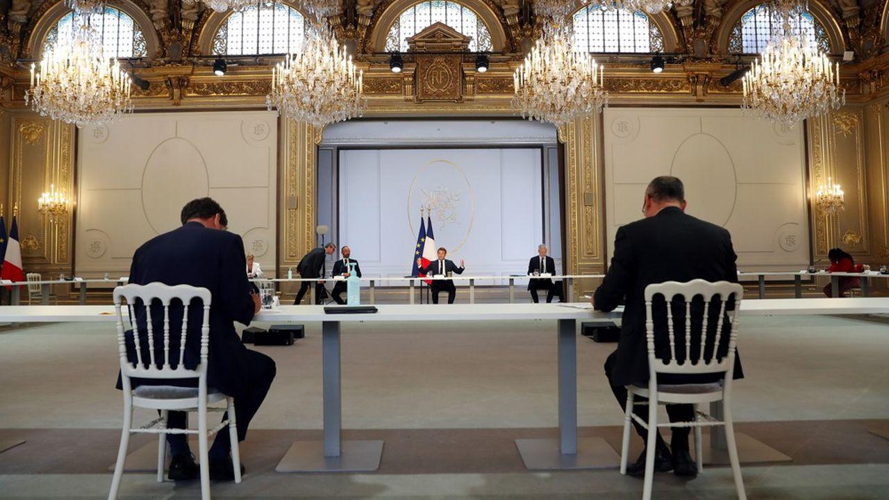 Crise sanitaire oblige, la réunion, ce jeudi, entre Emmanuel Macron et les partenaires sociaux s'est tenue dans une configuration inédite.
