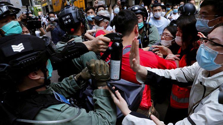 Le mouvement de contestation se réveille brutalement le 22mai lorsqu'un projet de loi est déposé à Pékin.