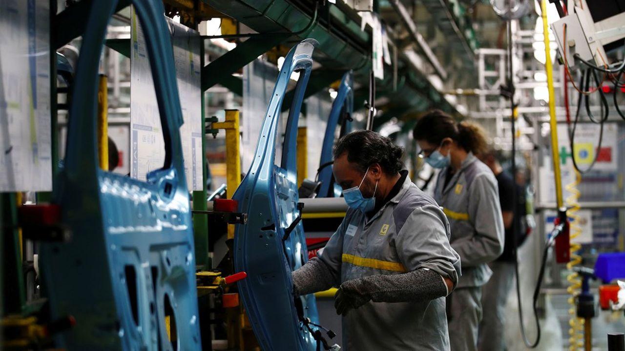 Dans les années 1970, Flins comptait un peu plus de 22.000 salariés, ils sont 2.600 aujourd'hui.