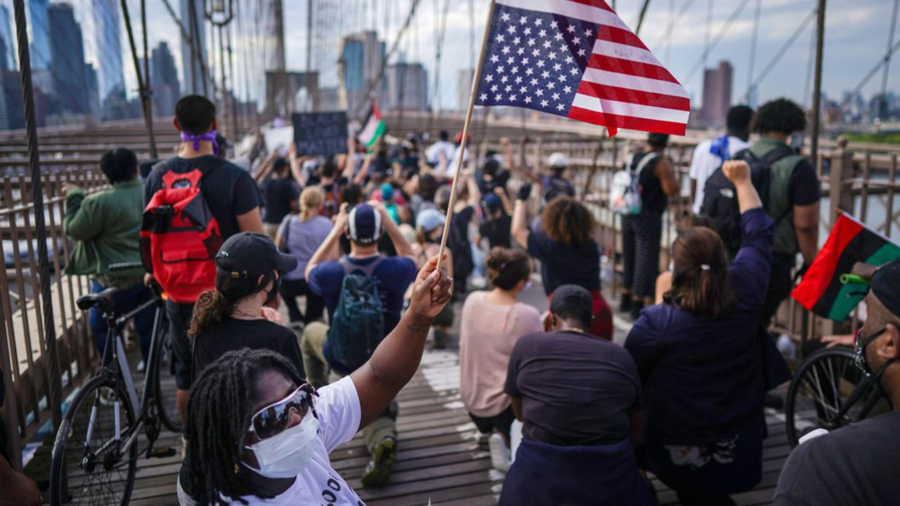 Manifestations sur le pont de Brooklyn, New-York, le 4 juin 2020.