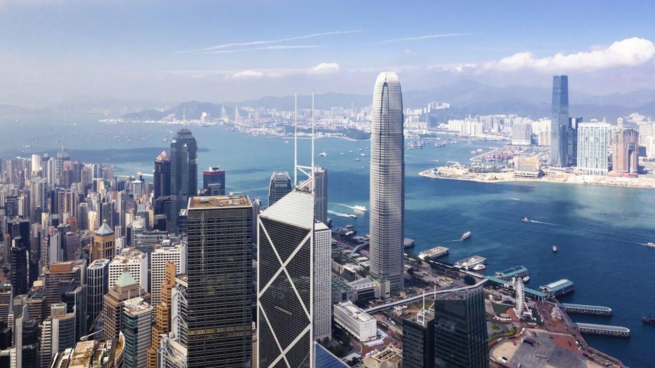 La troisième place financière mondiale, qui fait office de «hub» pour le reste de l'Asie, revêt une importance non négligeable pour les établissements français et leurs activités de marchés.