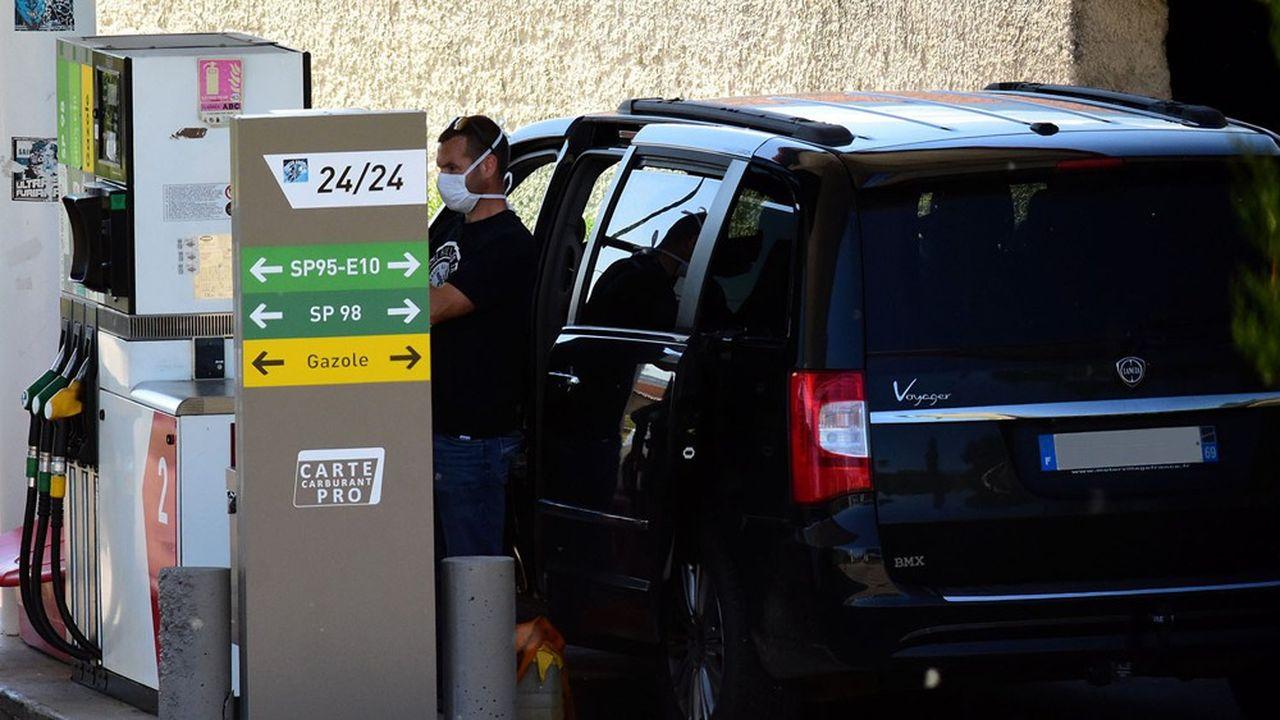 Pendant le confinement, les ventes de carburants ont chuté de 75% en moyenne, du jamais-vu.